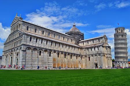 大聖堂とピサの斜塔