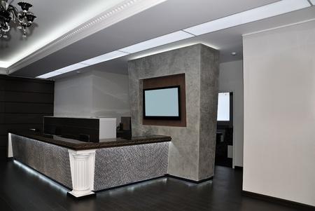 アパート ホテルのモダンなホール