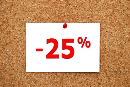 Note discount of 20 percent on a cork board Stock Photo - 15493645