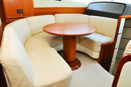 豪華ヨットのインテリア。クローズ アップ