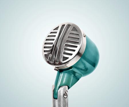microfono antiguo: Micr�fono viejo de cerca.