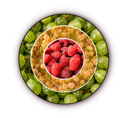 Raspberries, gooseberries and currants in the shape of a circle. Berries for infographics. Fresh berries closeup. Top view. Antiviral treatment. Vitamin C Imagens