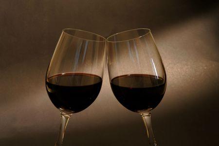 spiraglio: Bicchieri di vino rosso