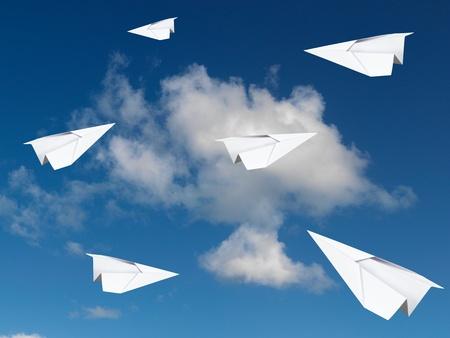 하늘에 종이 비행기 스톡 콘텐츠