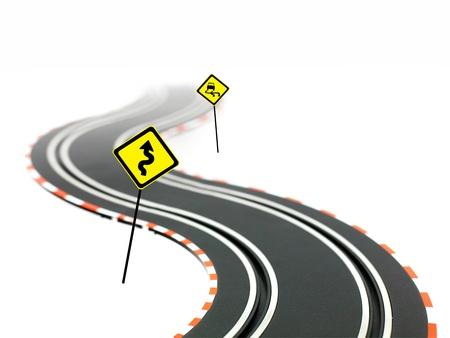 흰색 배경에 고립 된 슬롯 자동차 경주 트랙