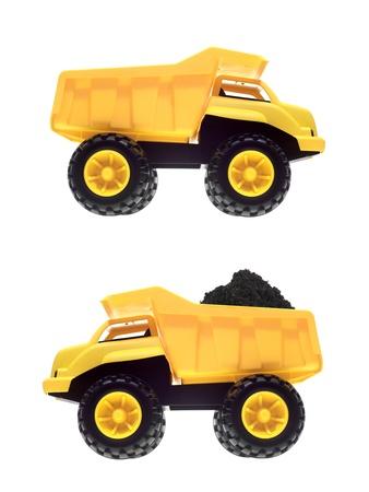 camion volteo: Un cami�n de basura de juguete aisladas sobre un fondo blanco