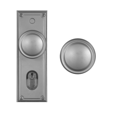 do not disturb: Doors and door handles isolated on white