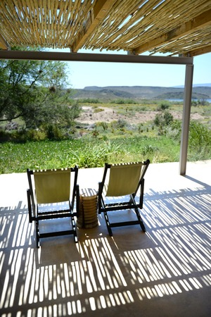 blockh�tte: Eine Safari Lodge Pool in Afrika