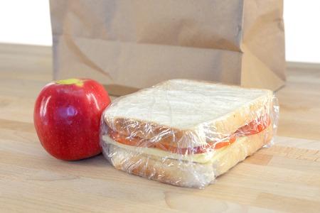 almuerzo: Un disparo de cerca de un almuerzo conceptual lleno