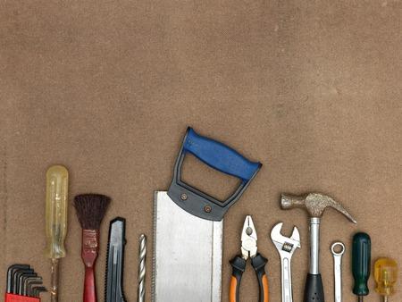 work tools: Un disparo cerca de un fondo taller