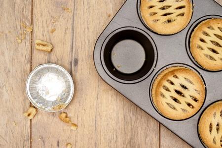 carne picada: Una foto de estudio de la Navidad pica las empanadas de la fruta