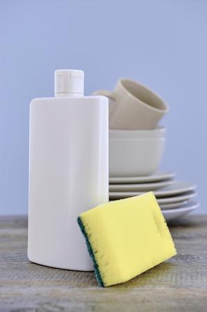 lavar platos: A close up studio photo of dishwashing detergent