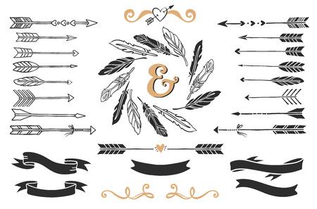Hand getrokken uitstekende pijlen, veren en linten met belettering. Romantische vector ontwerp bruiloft ingesteld.