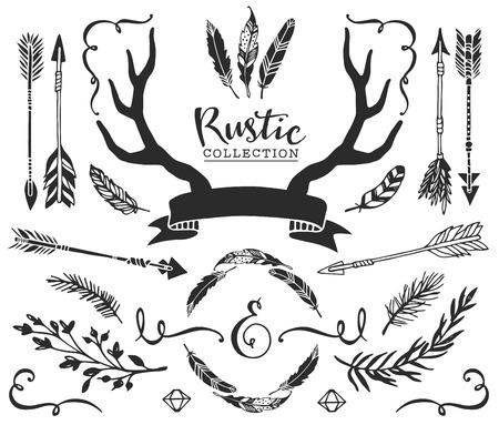 手には、ヴィンテージの角、羽、レタリングと矢印が描画されます。素朴な装飾的なベクターを設定します。