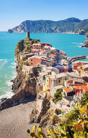 vernazza: Colorful Vernazza village, Italy