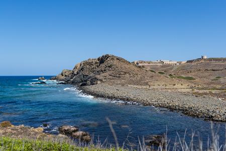 mare agitato: Paesaggio con mare mosso su rocce