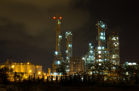factory machine: Oil refinery in full operation during the night