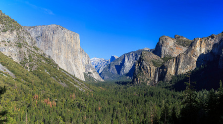 tunnel view: Tunnel View at Yosemite National Park, California, USA