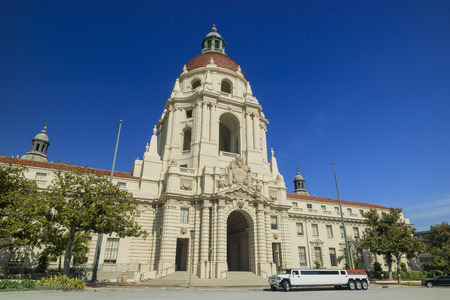 pasadena: Historical Pasadena city hall in morning with blue sky