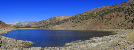 colour in: Beautiful fall color in Saddlebag Lake, California