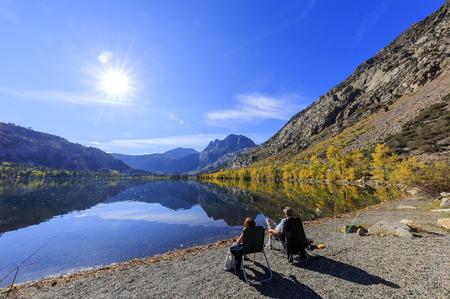 color in: Color de la ca�da hermosa en Silver Lake, California