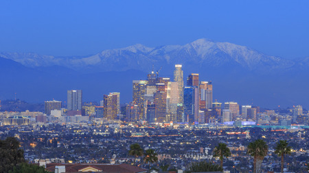 Classical night view of Los Angeles Downtown at Kenneth State Park 스톡 콘텐츠