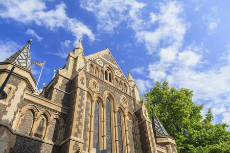 southwark: Southwark Cathedral and blue sky near sunset time, London, United Kingdom