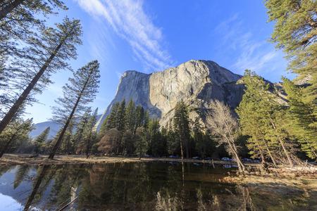 el capitan: The famous El capitan of Yosemite at morning