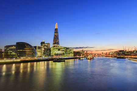 nightscape: Some nightscape around the Thames River at London, United Kingdom