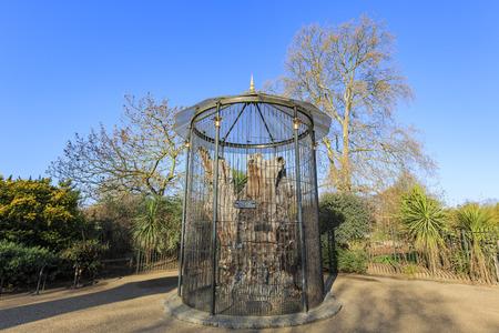 elfin: Beautiful Elfin Oak inside the Hyde Park, London, United Kingdom