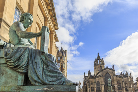 giles: Statue and St Giles Cathedral at Edinburgh, Scotland
