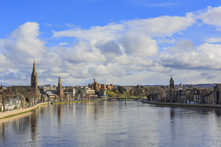 Beautiful Inverness cityscape with river view at Highland, Scotland 新聞圖片