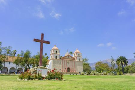 santa barbara: The Old Misson Church of Santa Barbara, California Editorial