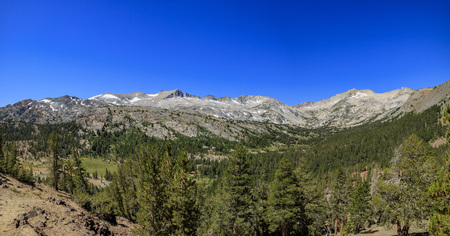 inyo national forest: The mountain view of Saddlebag Lake in Inyo National Forest