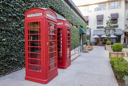 pasadena: Pasadena, NOV 10: Red classical telephone booth behind the Williams Sonoma on NOV 10, 2016 at Pasadena, California