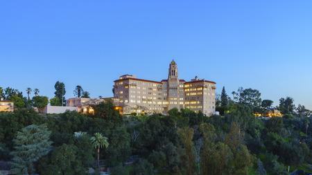 pasadena: Twilight view of the Richard H. Chambers Courthouse in Pasadena, California, USA