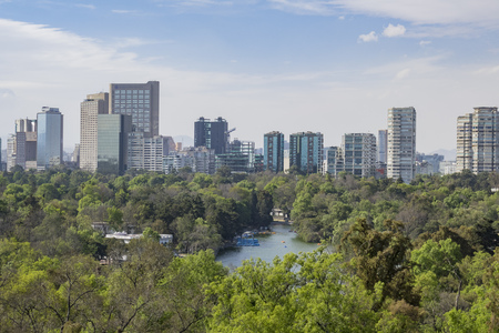 Cityscape view from the Chapultepec Castle of Mexico City 免版税图像 - 75290580