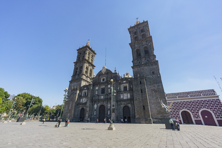 Puebla, FEB 18: Exterior view of the Catedral de Puebla on FEB 18, 2017 at Puebla, Mexico 新闻类图片