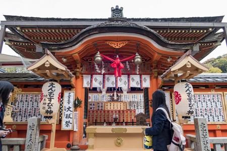 일본 교토 오토 기아 키요 미즈 데라의 아름다운 지슈 진자
