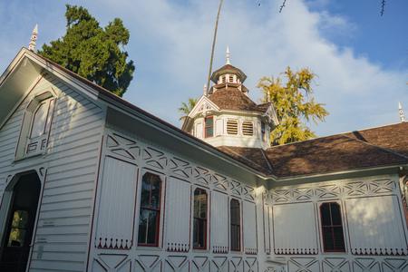 ロサンゼルス郡樹木園の美しいクイーン アン コテージ