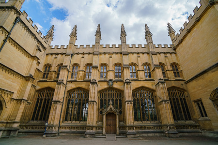 Exterior view of Divinity School at Oxford, United Kingdom 에디토리얼