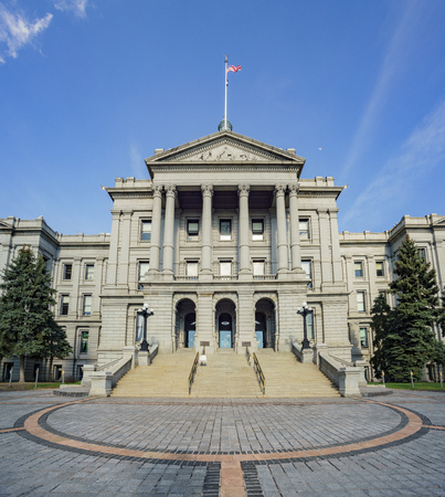 Sunny afternoon view of the historical Colorado State Capitol, United States 에디토리얼