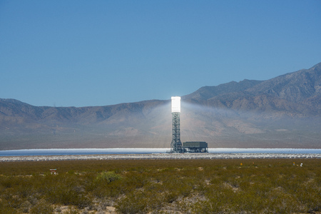 The solar tower of the Ivanpah Solar Electric Generating System at California