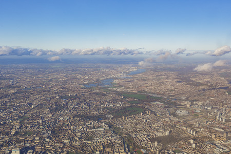 Aerial view of cityscape around London near sunset time 免版税图像