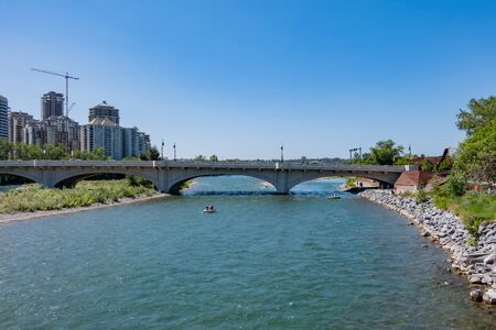 Noon view of the famous Louise Bridge at Calgary, Canada 写真素材 - 129391526