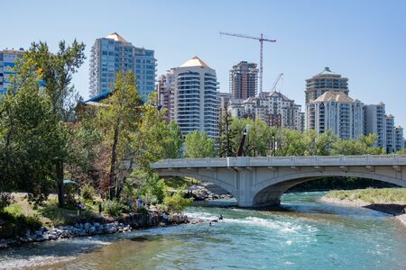 Noon view of the famous Louise Bridge at Calgary, Canada 写真素材 - 129392634