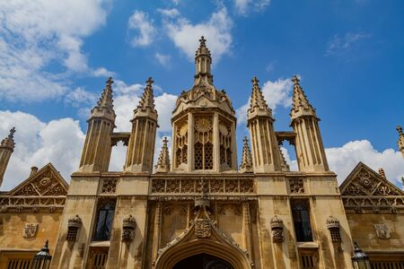 Exterior view of Kings College Porters Lodge at Cambrdige, United Kingdom 스톡 콘텐츠