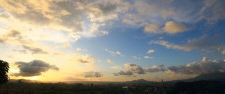 Sunset landscape of the JingMei area from Xianjiyan at Taipei, Taiwan 版權商用圖片