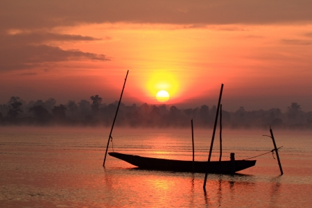 Amanecer en Nakhon Phanom, Tailandia.