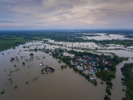Inondazione d'acqua a Sakon Nakhon, Thailandia